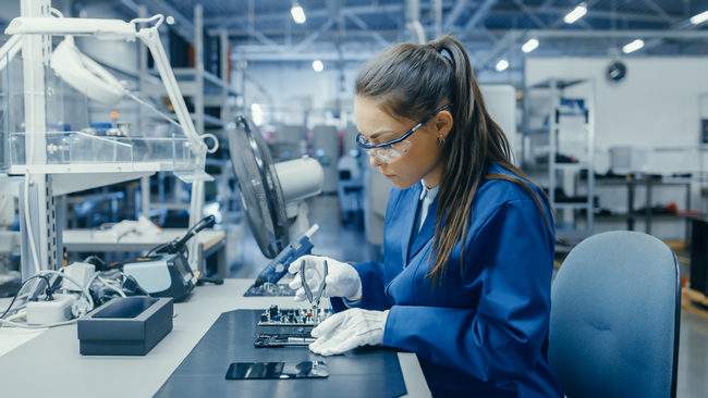 Manufacturing Challenges with Procurement Shortages and Supply Chain Disruptions.